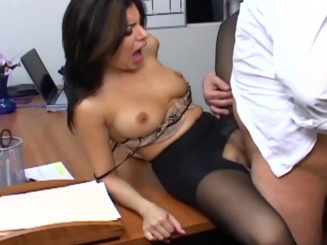 Busty Secretaries Videos Nude Gallery 2