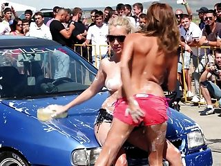 Car Wash Girls Free Tubes Look Excite And Delight Car Wash 1
