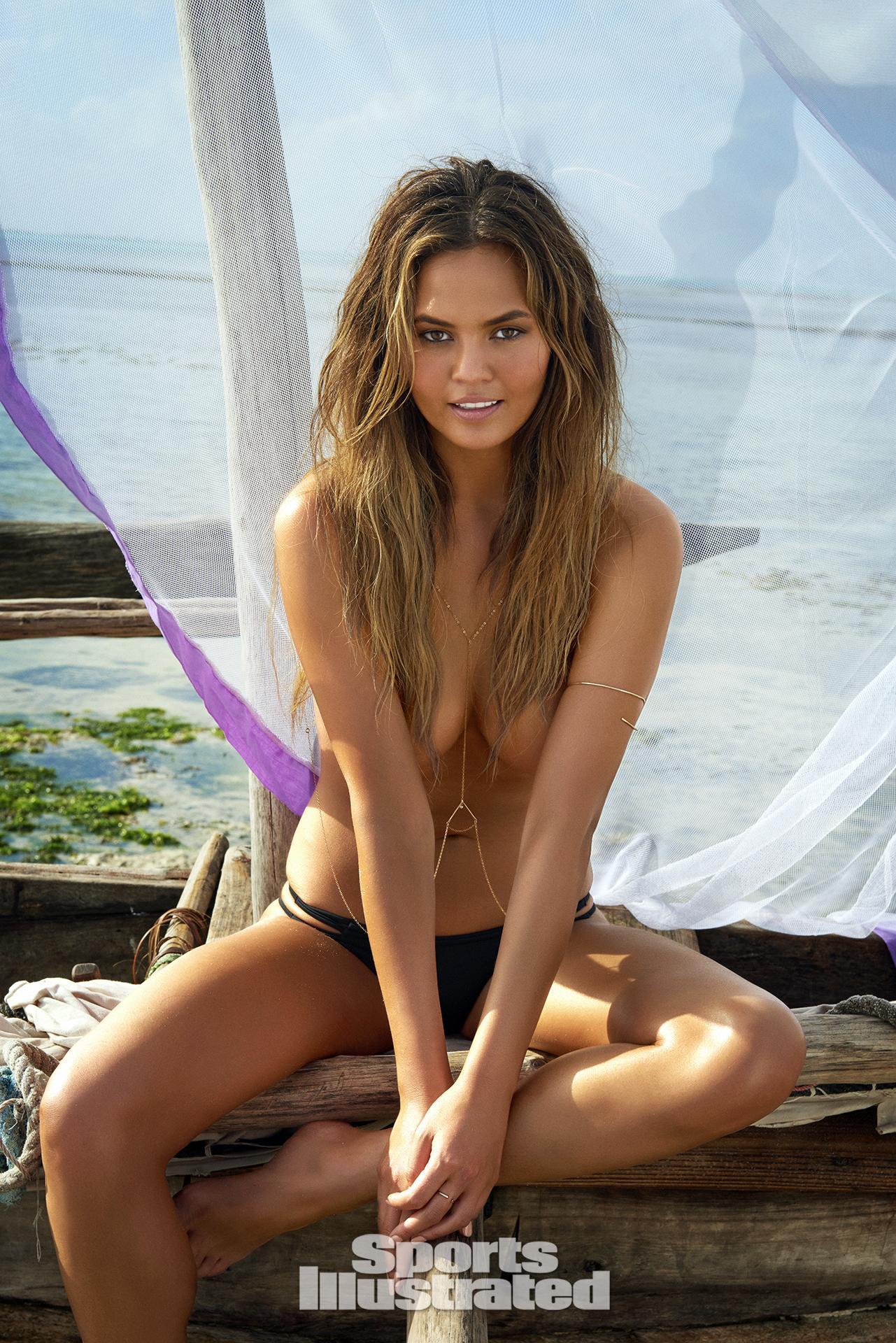 Chrissy Teigen Nude Compilation Photos Celebs Unmasked 1