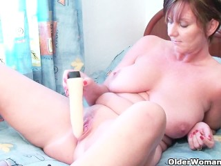 Classy Granny With Big Tits And Juicy Pussy Gets Finger Fucked