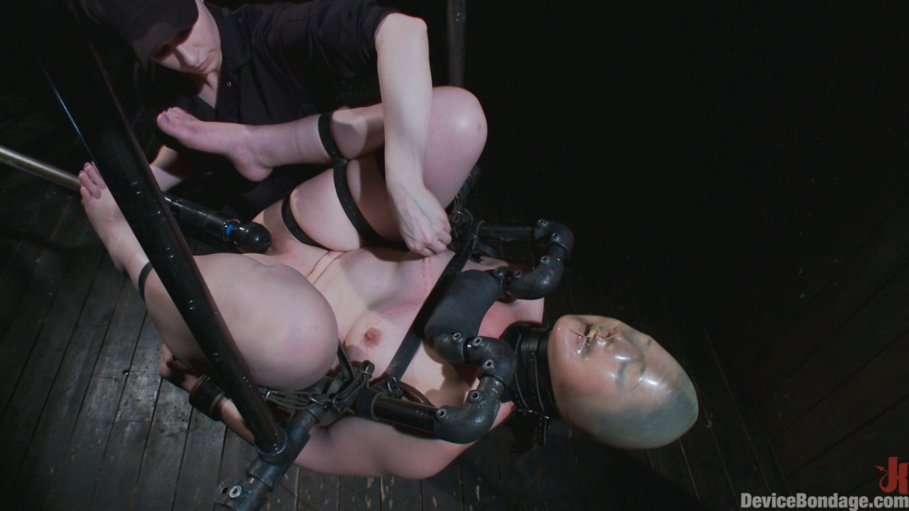 Device Bondage Sexy Sarah Gets Fucked Hard In Brutal Bondage With Nerve Racking Breath Play