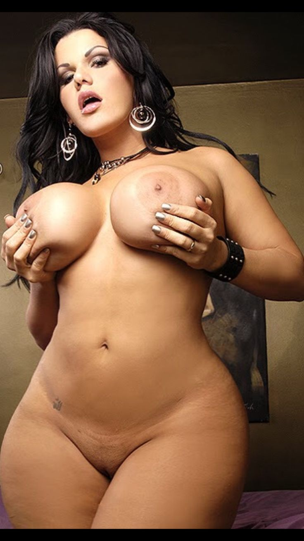pair shaped women nude