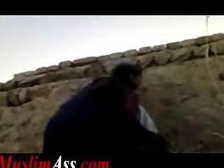 Forbidden Outdoor Public Sex Muslim Couple In Islamic Pakistan Tmb 2