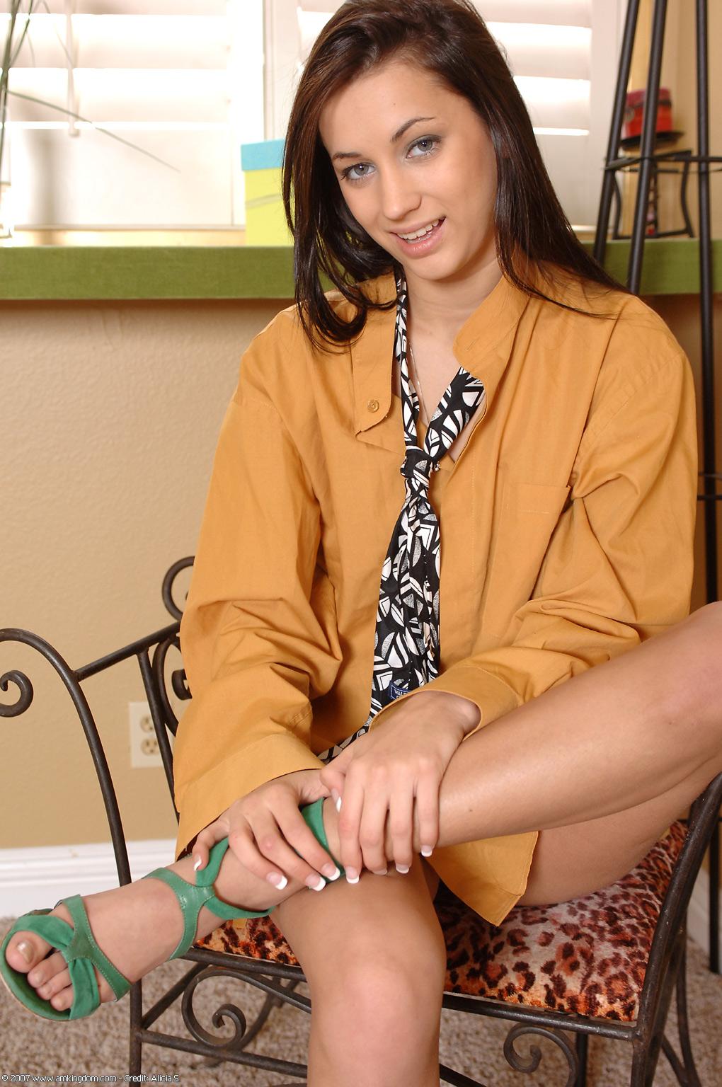 Georgia Jones Feet Porn Georgia Jones Feet Showing Porn Images For Georgia Jones