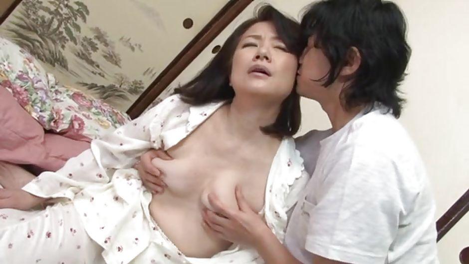 Guy Sucking Nipples