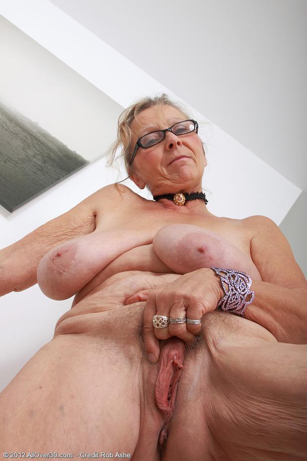 Hairy Slut Pics Mature Milf Porn Mature Milf Sex Lesbian Nun Punishes Girl Web Cam