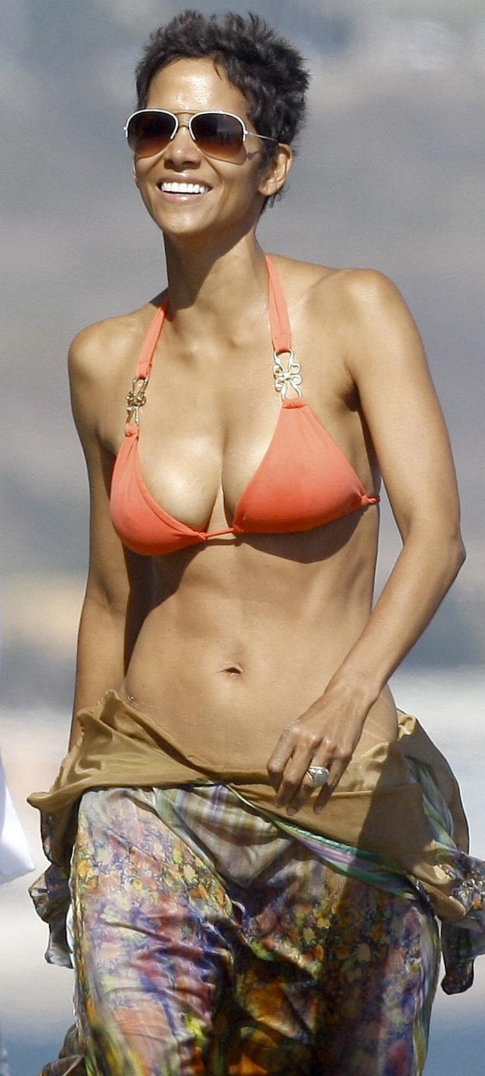 Halle Berry Halle Berry Breast Pics