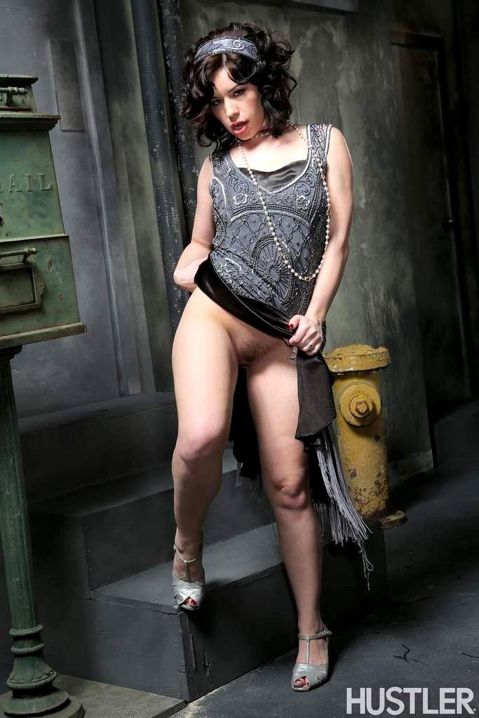 Hustler Belle Noire Go Skirt Fuckporn Porn Pics 3