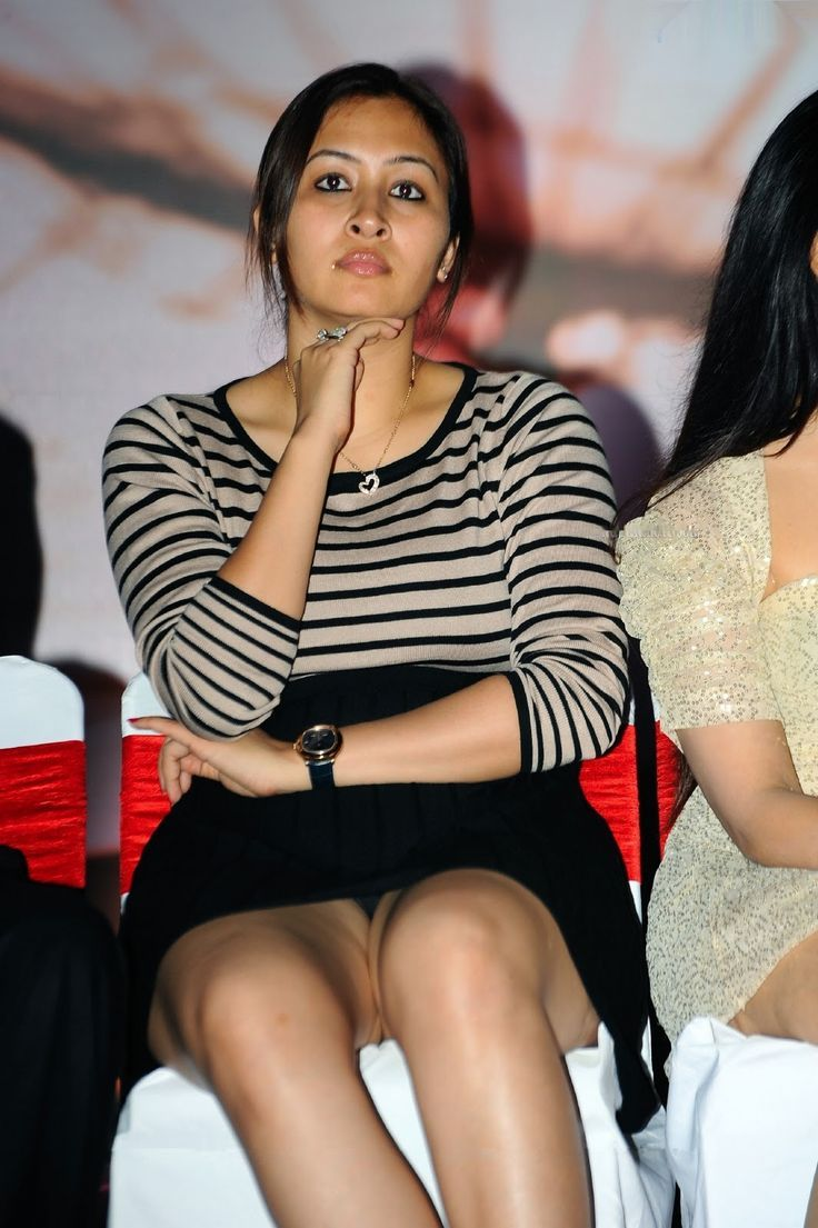 Indian Athlete Jwala Gupta Hot Thighs Show Pictures Hot Thighs