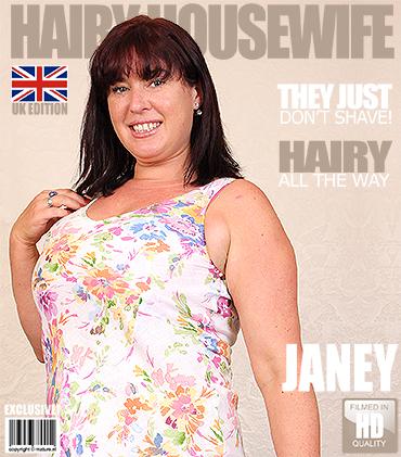 Janey Eu British Hairy Housewife Fingering Herself
