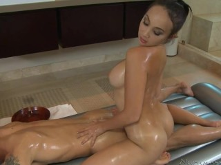 Katsuni Nuru Massage Hot Oil Massage Body 1