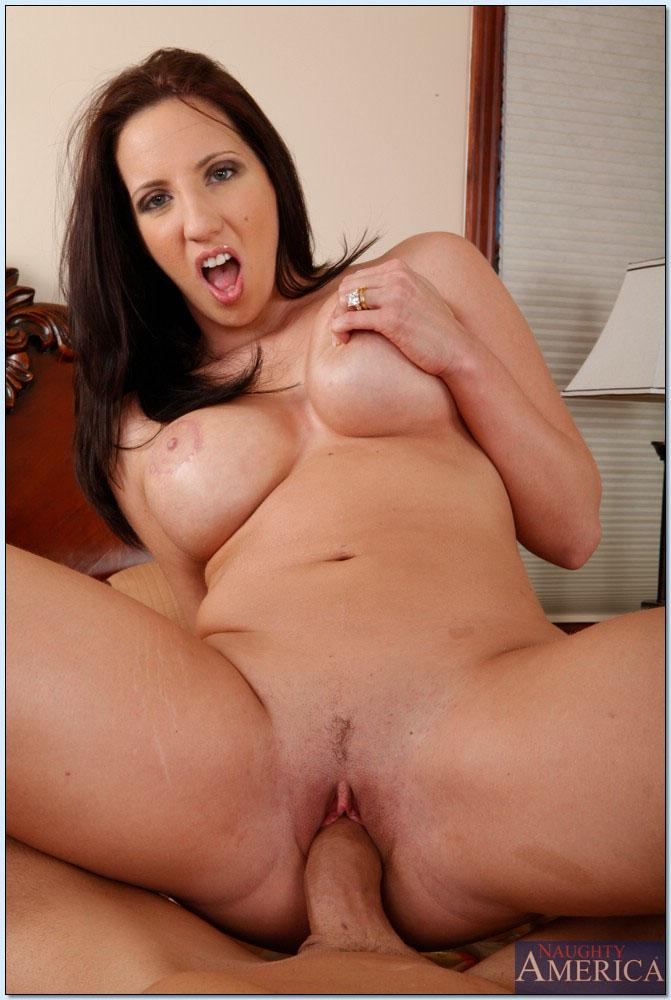 Kelly Divine Gives An Amazing Pov Blowjob