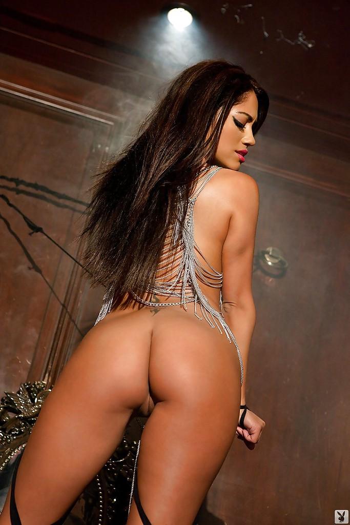 Latina Centerfold Babe Jessica Burciaga Showcasing Her Seductive Curves 4