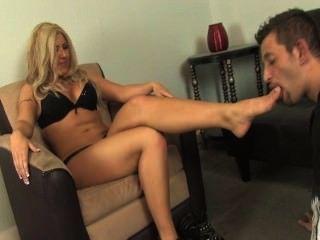 Licking Mistress Feet Suggestive For Beguilingslave Licks Black Mistress Feet Free Sex Videos Watch Beautiful