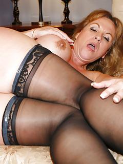 Mature Milf Sex Hot Mom Porn Pics 2