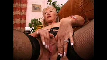 Mature Wife Masturbating Loves To Be Watched 1