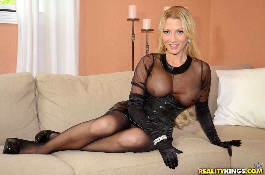 Milf Jennifer Nude Movie