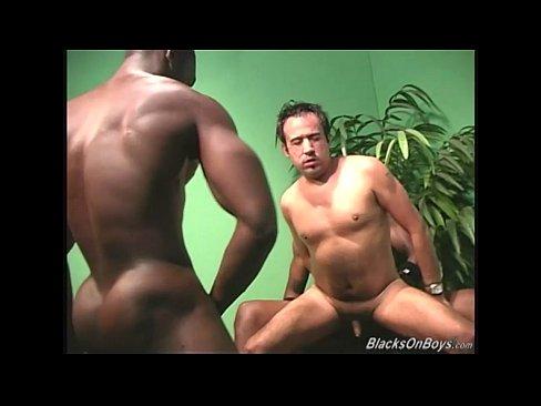 Muscular Black Men Fucking The Ass Of A White Guy 1