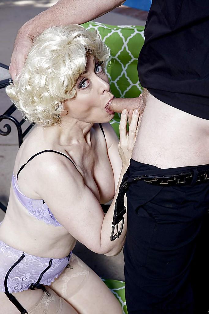 Nina Hartley Blowjobs Busty Older Pornstar Nina Hartley Giving Preacher