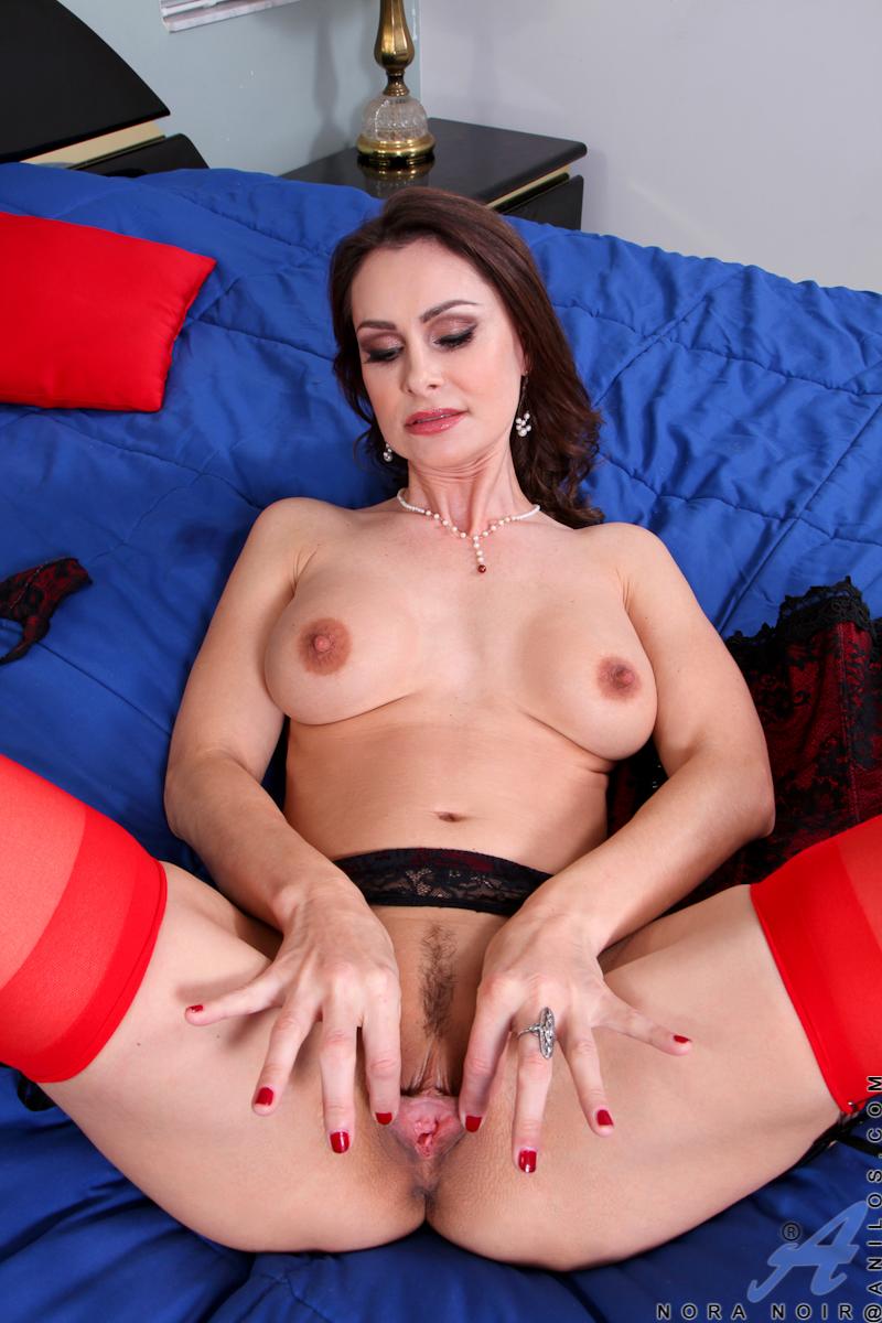 Nora Arnezeder Porno nora arnezeder hot - xxxpicss