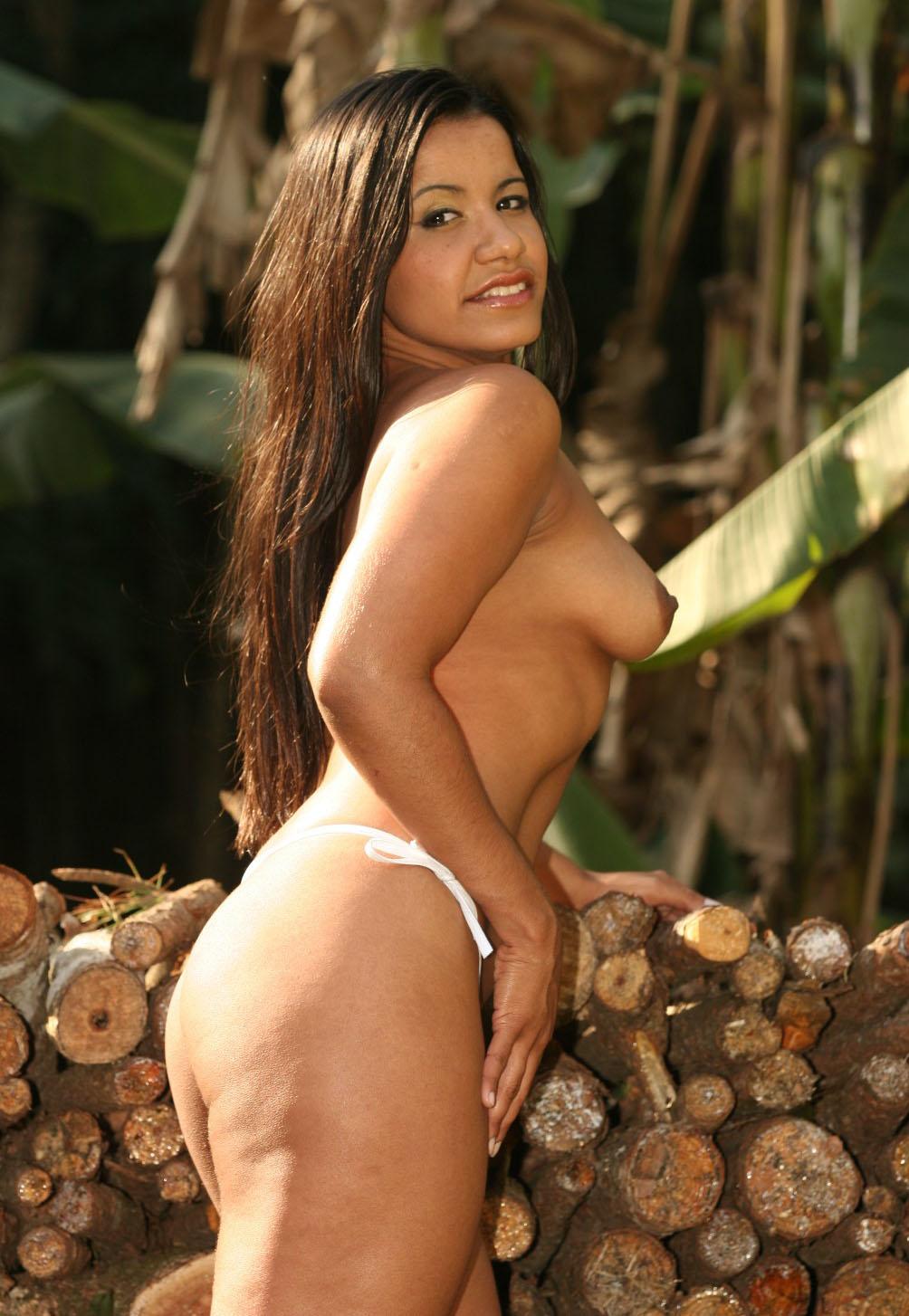 Nri Desi Aunty Naked Pussy Porn Photoshoot Outdoor Honeymoon 4
