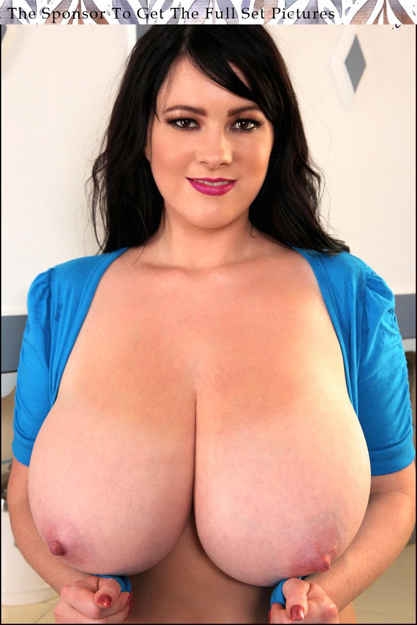 busty rachel leslie nude