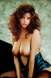 Nudes Julia Parton Oozes