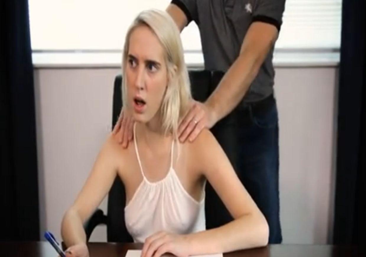 Padre Follando Con Su Hijo Porno Gay padre hace masaje a hija se la folla varias veces - xxxpicss