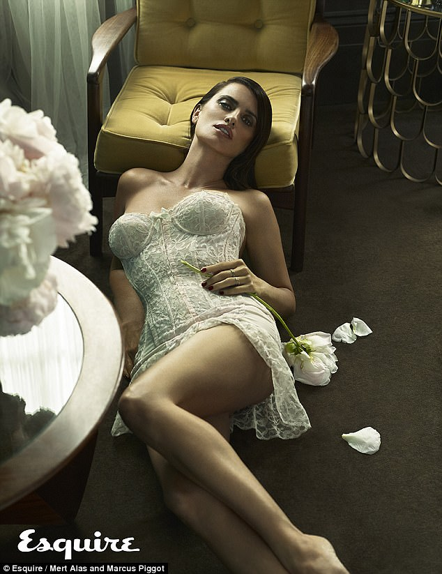 Penelope Cruz Recalls Her First Nude Scene Aged Daily Mail Online 1