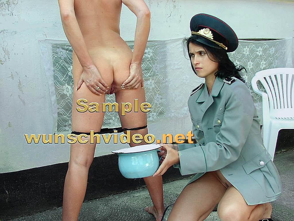Pissing Peeing Shitting Women Girls Free Photos Video 2