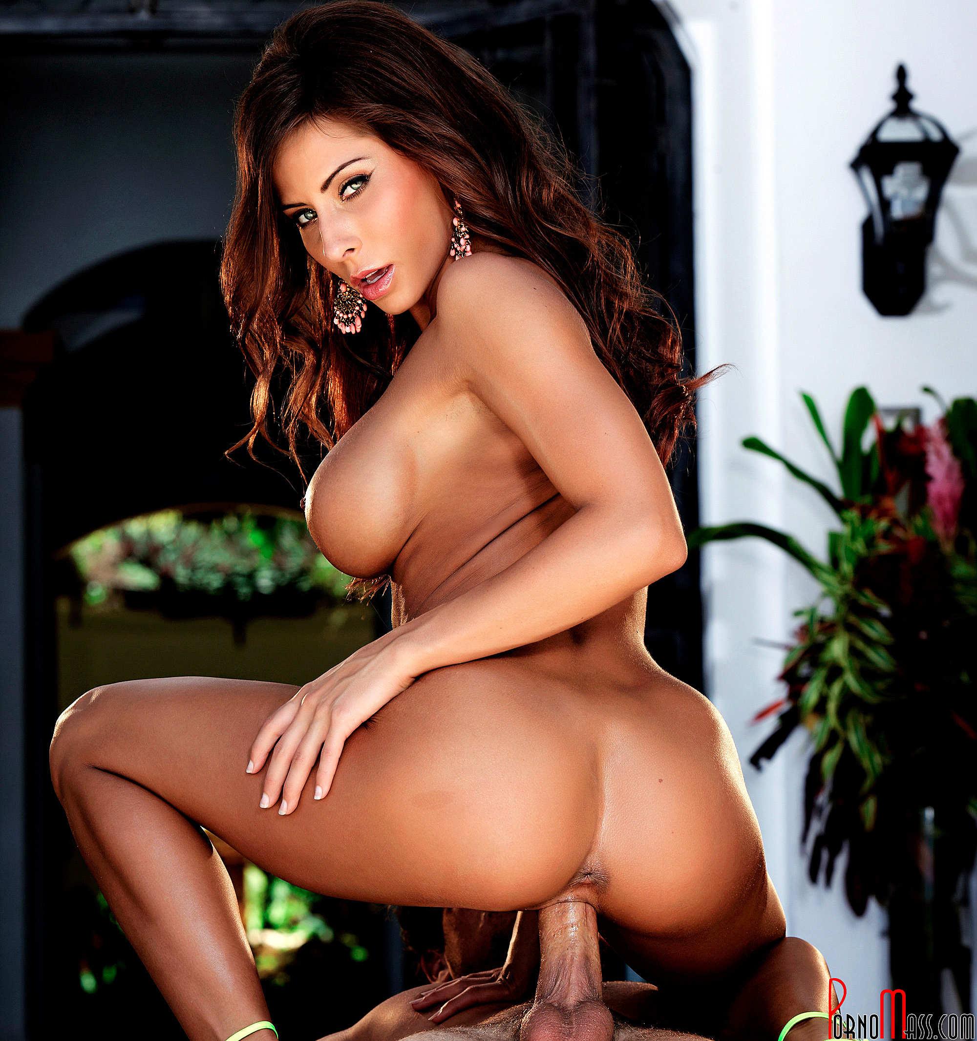 Porno Photos Page 1