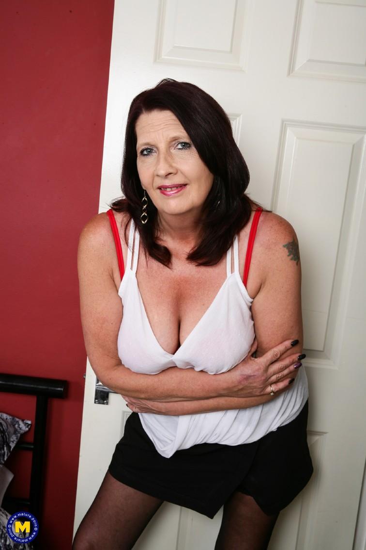Aloha British Porno Tubes british lesbian mature porn british lesbian hard moms 1