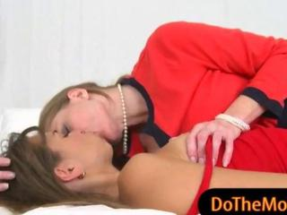 Riley Reid And Darla Crane Hot Threeway Action On The Bed