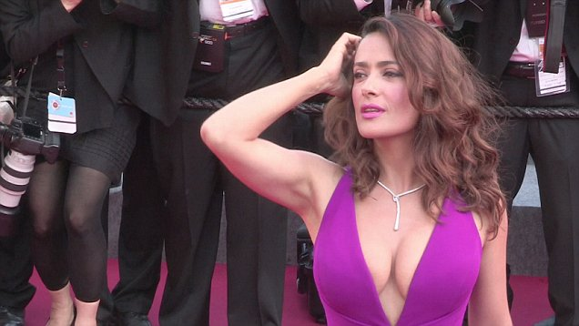 Salma Hayek Doesnt Exercise She Activates Her Muscles All Day Long Daily Mail Online