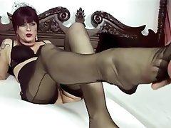 Sexi German Milf Giving Footjob German Foot Fetish Pantyhose