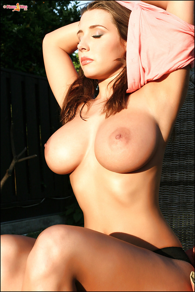 Smoking Hot Redhead Babe With Amazing Boobs Stripping Outdoor