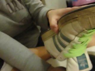 Sneaker Job In Dirty White Adidas Superstarts