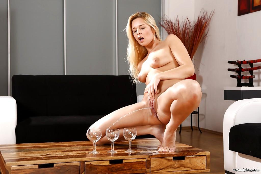 Wetandpissy Nikki Dream Cock European Fucj Porn Pics 1