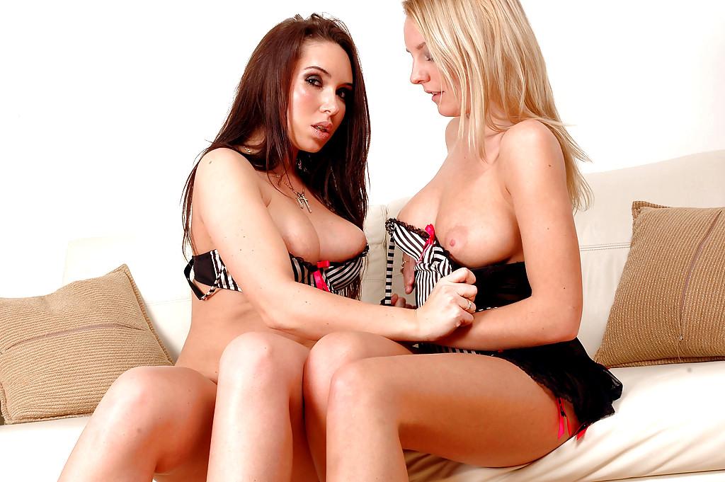Youngbusty Denni Penelope Lesbian Nude Love Porn Pics